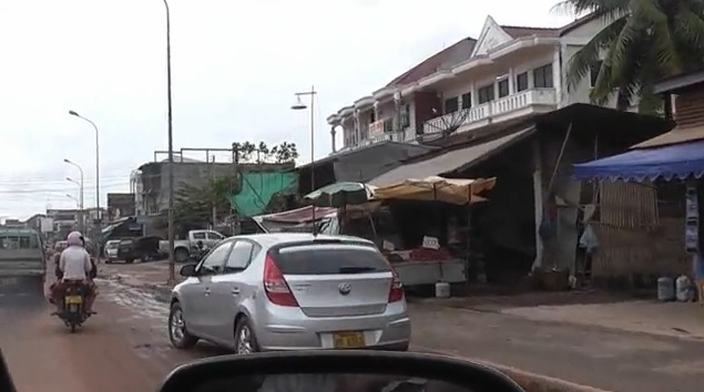 Hyundai i30 in Laos, Picture: www.youtube.com