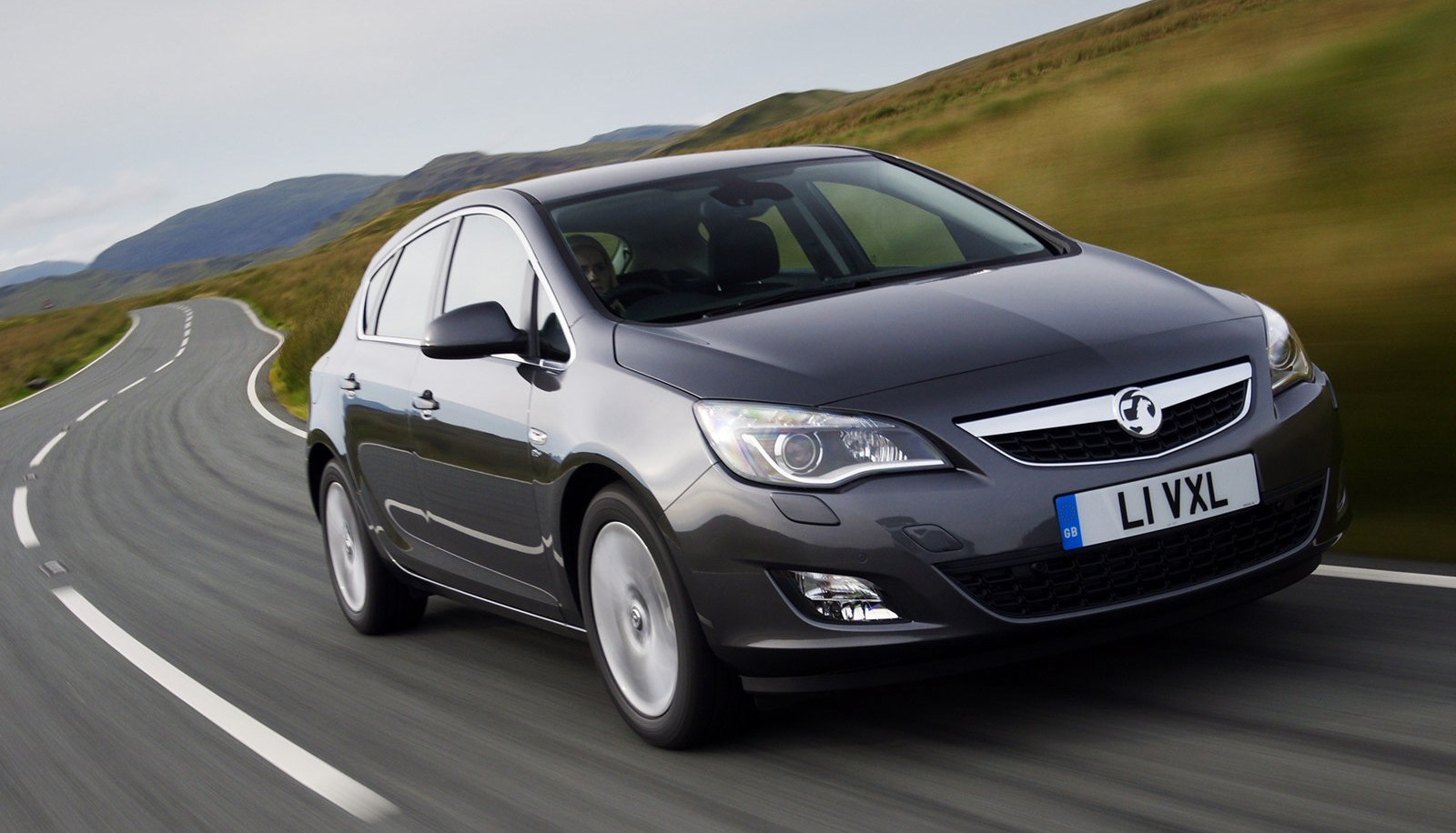 Uk december 2010 vauxhall astra 1 fiesta leader in full year now