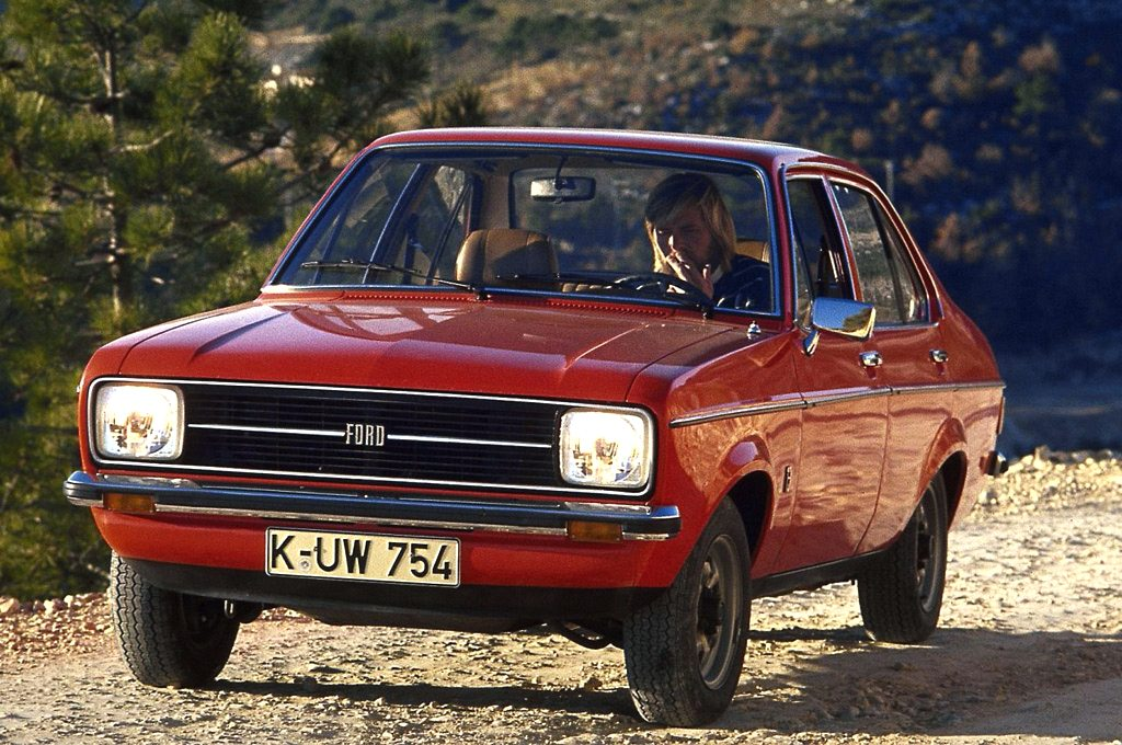 UK 1976: Ford Escort claims pole position, Mini stays on podium ...