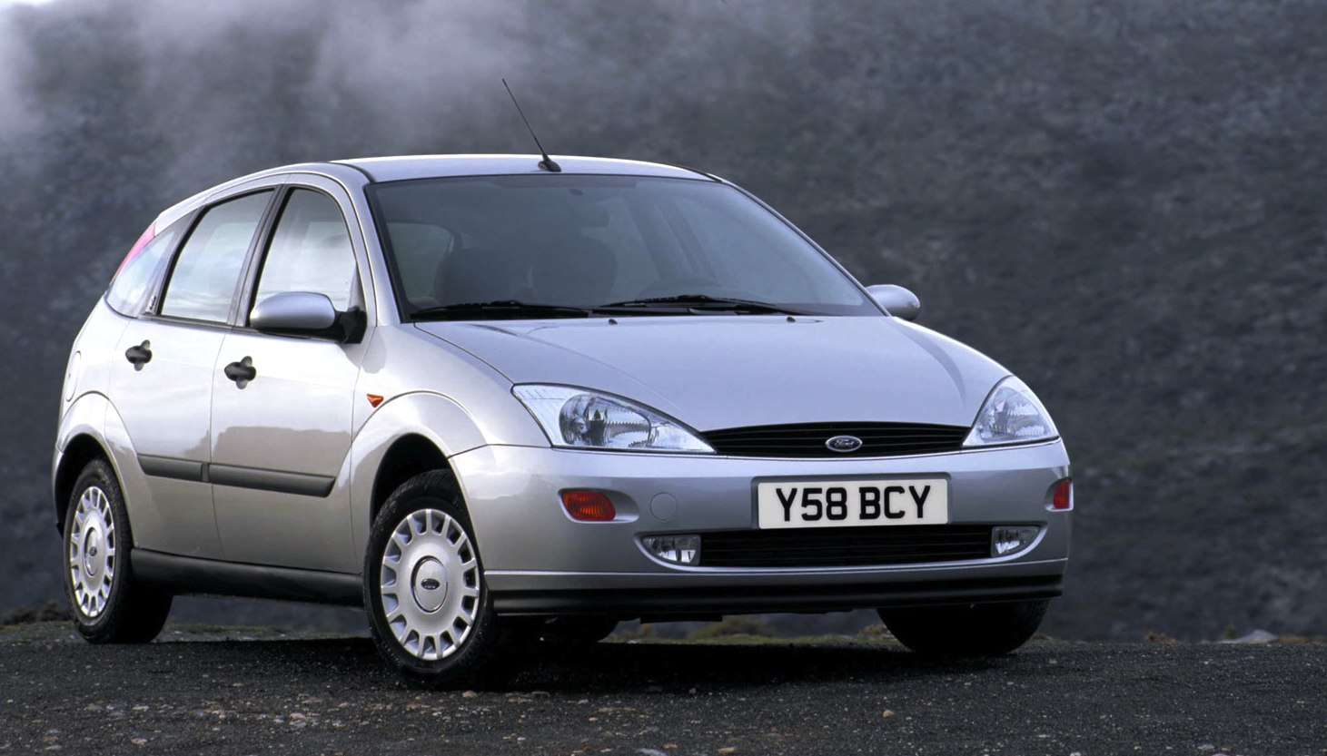 uk 1998 ford fiesta leads escort leaves focus arrives. Black Bedroom Furniture Sets. Home Design Ideas