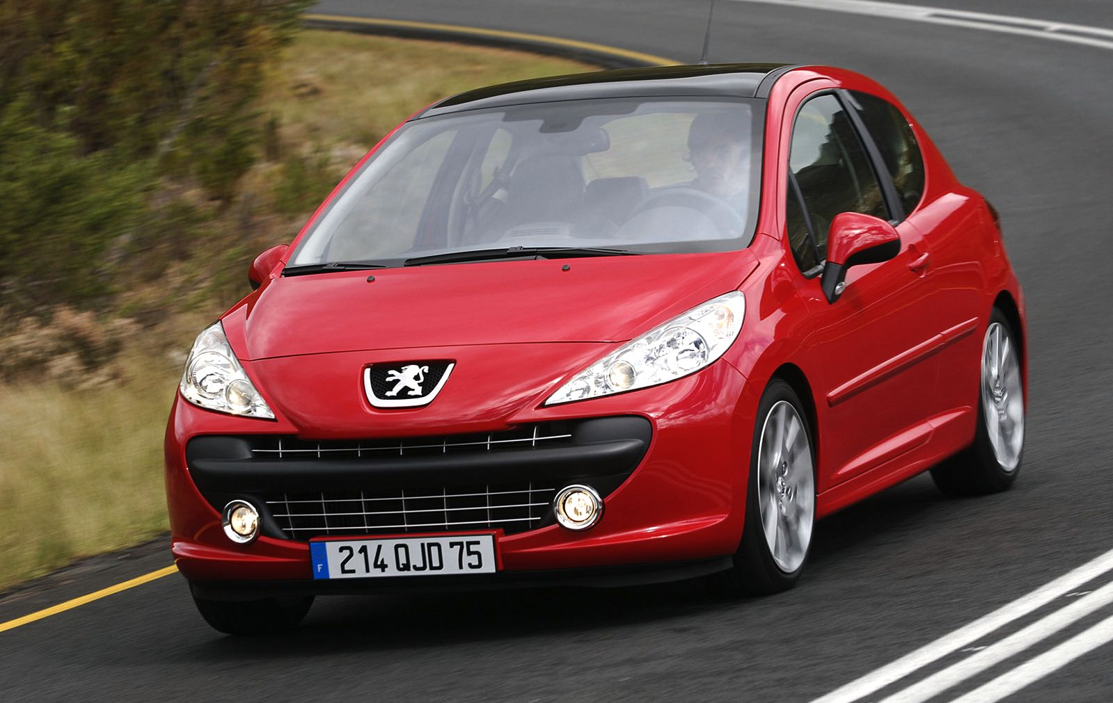 europe 2007 peugeot 207 edges vw golf out best selling
