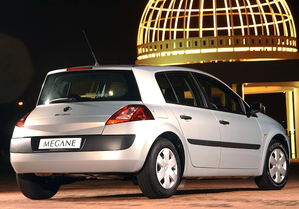 luxembourg 2004 controversial renault megane a big hit best selling cars blog. Black Bedroom Furniture Sets. Home Design Ideas