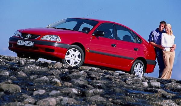 Toyota Avensis Wagon (1998-1999)