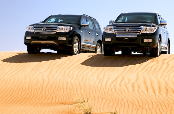 Toyota Land Cruiser UAE March 2012 Another luxury large SUV produced in Japan   2012 Toyota Land Cruiser