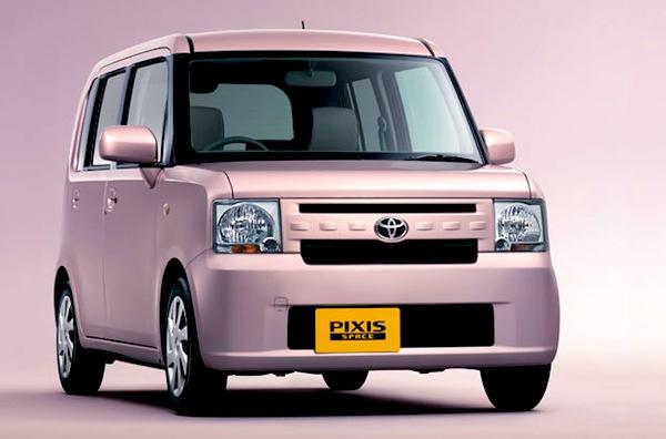 Toyota-Pixis-Space-Japan-July-2012.jpg