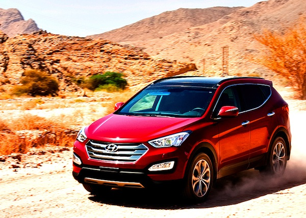Hyundai Santa Fe Saudi Arabia September 2012. Picture courtesy of Motoring ME