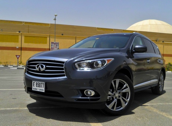 Infiniti JX35 UAE September 2012. Picture courtesy of DriveArabia.com