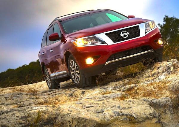passion suv nissan pathfinder my 2013 debut aux etats unis. Black Bedroom Furniture Sets. Home Design Ideas