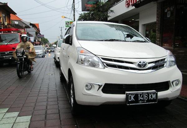 Indonesia November 2012: Toyota Avanza breaks record