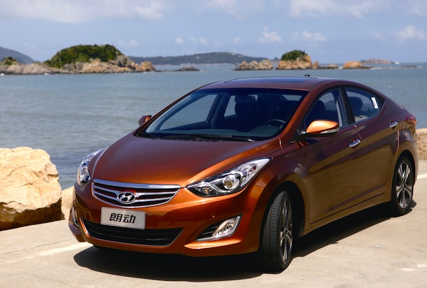 Hyundai Elantra World November 2012
