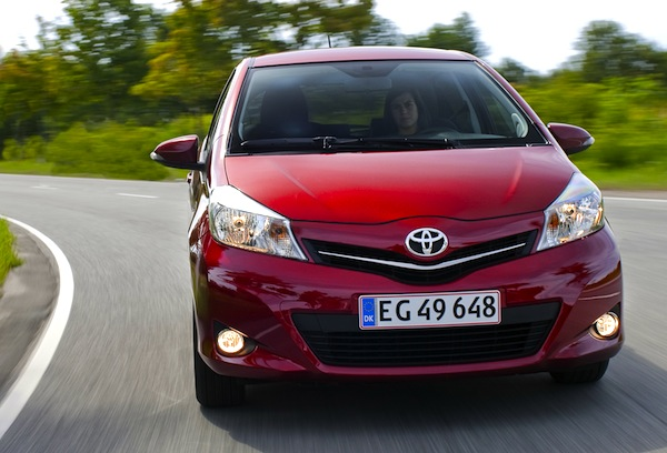 Toyota Yaris Greece 2013