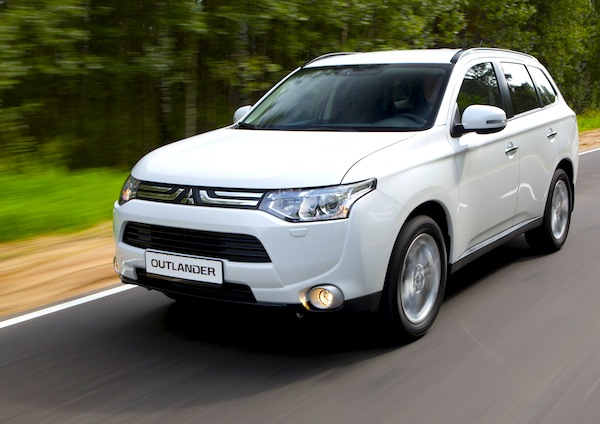 Mitsubishi Outlander New Zealand March 2014