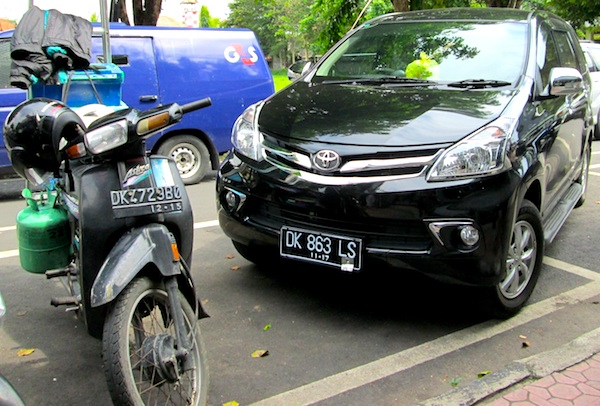 Toyota Avanza Indonesia January 2013