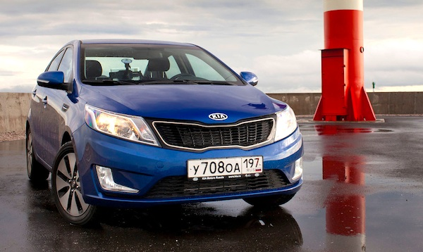 Kia Rio Kazakhstan July 2014. Picture courtesy of zr.ru