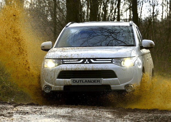 Mitsubishi Outlander Portugal February 2013