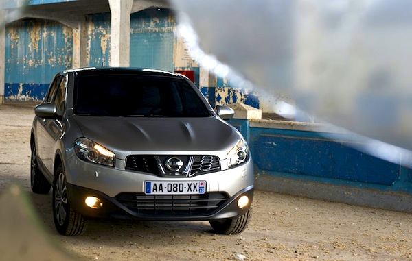 Nissan Qashqai World March 2013