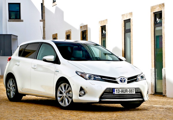 Toyota Auris Greece May 2013