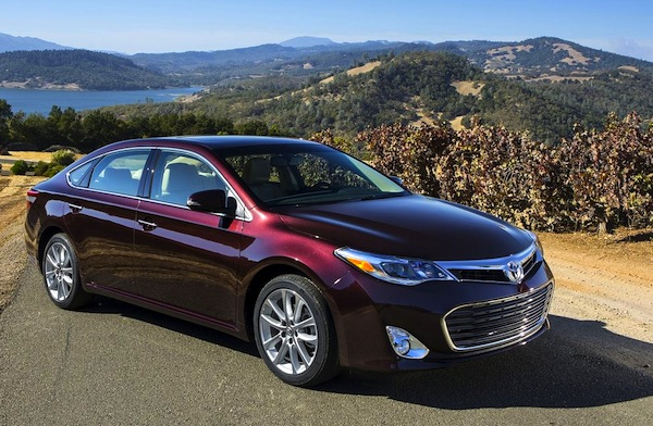 Toyota Avalon USA April 2013