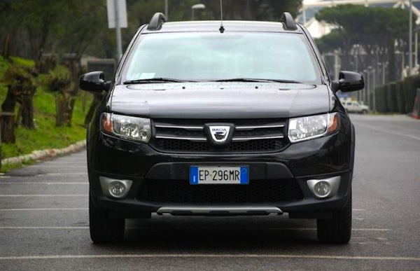 Dacia Sandero Italy August 2013. Picture courtesy of sicurauto.it
