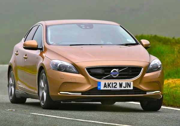 Volvo V40 UK October 2014