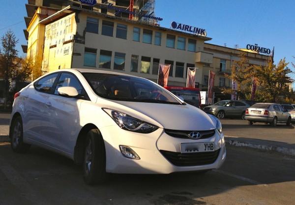 23 Hyundai Elantra