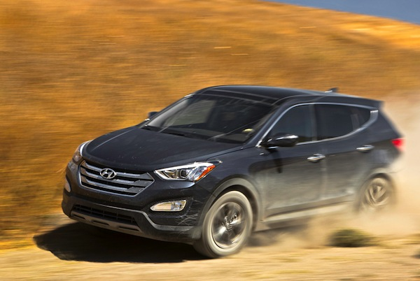 Hyundai Santa Fe Canada September 2013. Picture courtesy of motortrend.com