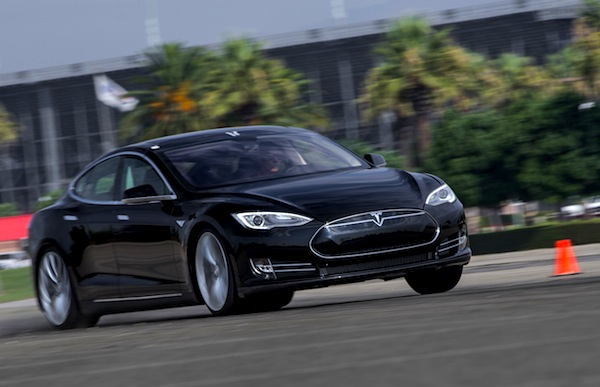 Tesla Model S Europe August 2014. Picture courtesy of motortrend.com P2