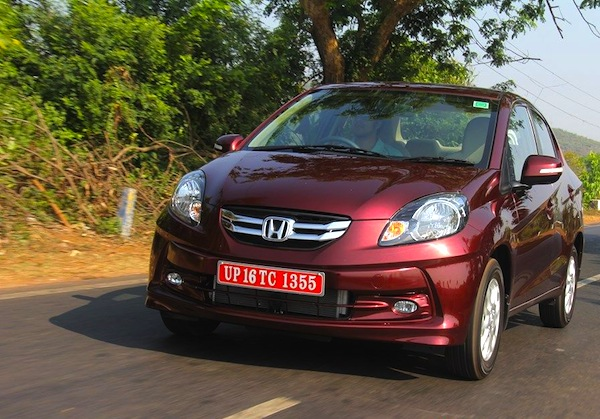Honda Amaze India October 2013. Picture courtesy of Motor Beam