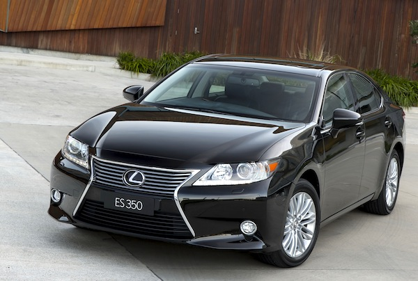 Lexus ES Hong Kong October 2013