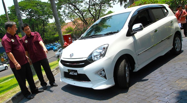 Toyota Agya Indonesia October 2013. Picture courtesy of otomotifzone.com