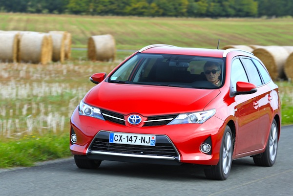 Toyota Auris Touring Sweden 2013. Picture courtesy of largus.fr