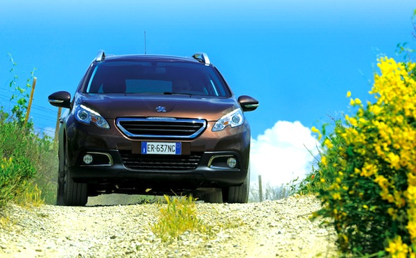 Peugeot 2008 Italy November 2013. Picture courtesy of quattroruote.it