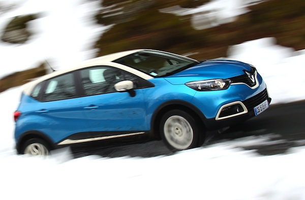Renault Captur Netherlands January 2014. Picture courtesy of automobile-magazine.fr