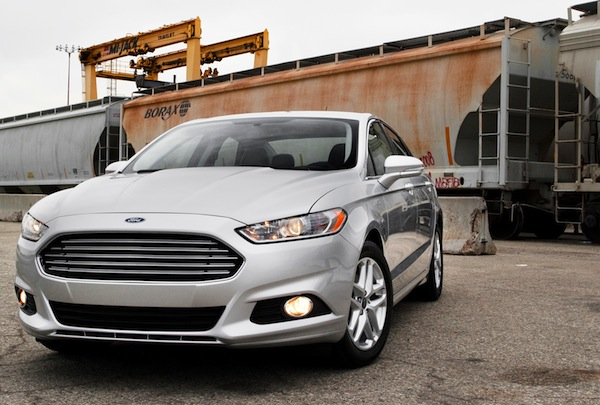 Ford Fusion USA 2013. Picture courtesy of motortrend.com