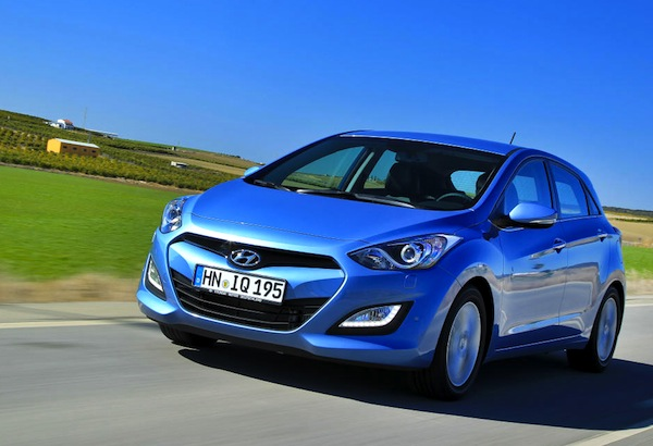 Hyundai i30 Czech Republic December 2013. Picture courtesy of largus.fr