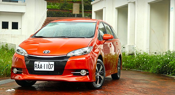 Toyota Wish Taiwan 2013. Picture courtesy of u-car.com.tw