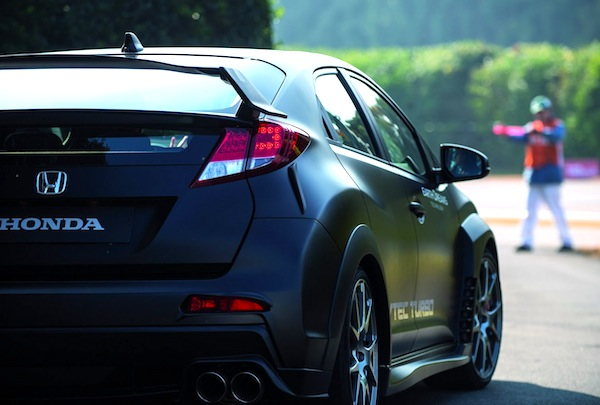 Honda Civic Type R 2015. Picture courtesy of autoevolution.com