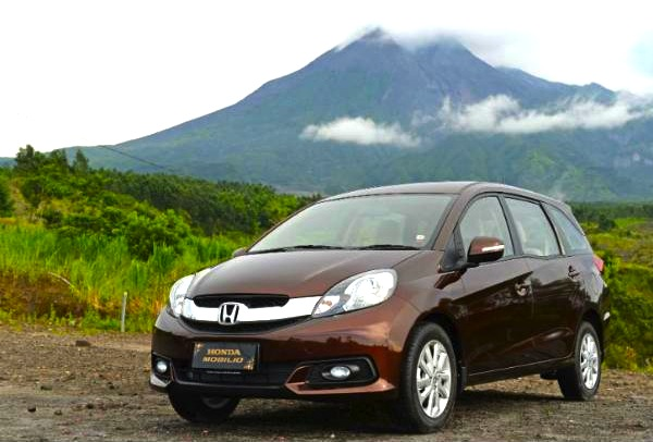 Honda Mobilio Indonesia January 2014. Picture courtesy of viva.co.id