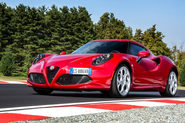 ALFA ROMEO 4C Portugal February 2014. Picture courtesy of largus.fr