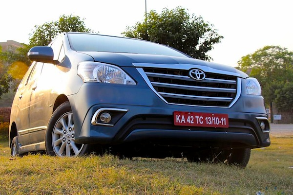 Toyota Innova India March 2015. Picture courtesy of motorbeam.com