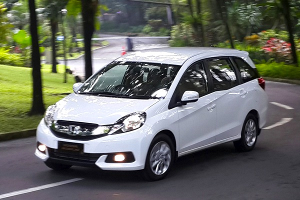 Honda Mobilio Indonesia March 2014. Picture courtesy of merdeka.com