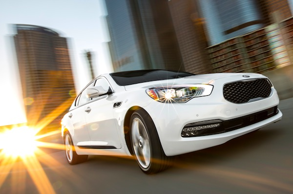 Kia K900 USA March 2014. Picture courtesy of motortrend.com