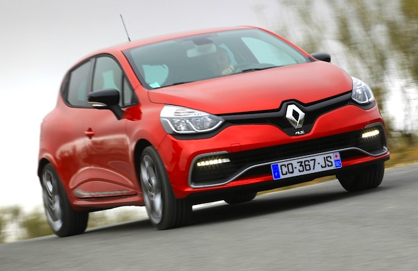 Renault Clio UK March 2014. Picture courtesy of automobile-magazine.fr