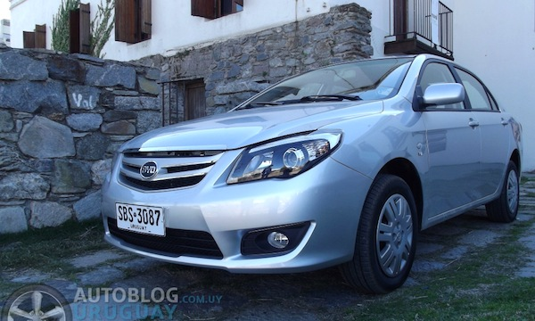 BYD New F3 Uruguay April 2014. Picture courtesy of autoblog.com.uy