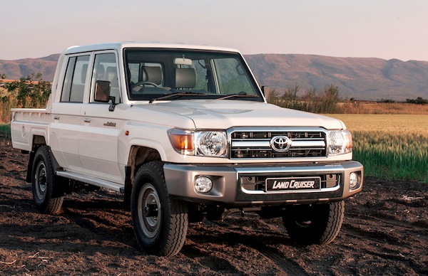 Toyota Land Cruiser Pick-up Oman June 2014