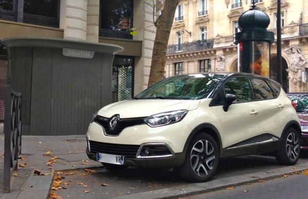 2. Renault Captur France August 2014b