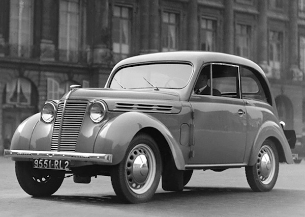 france 1947 citroen traction avant renault juvaquatre on top best selling cars blog. Black Bedroom Furniture Sets. Home Design Ideas