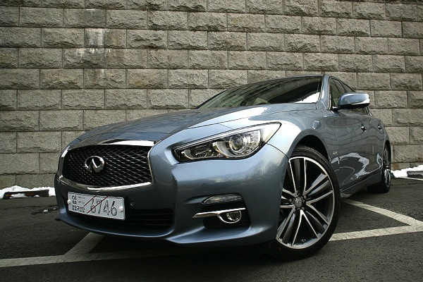 Infniti Q50 South Korea June 2014.Picture courtesy of bobaedream.co.kr