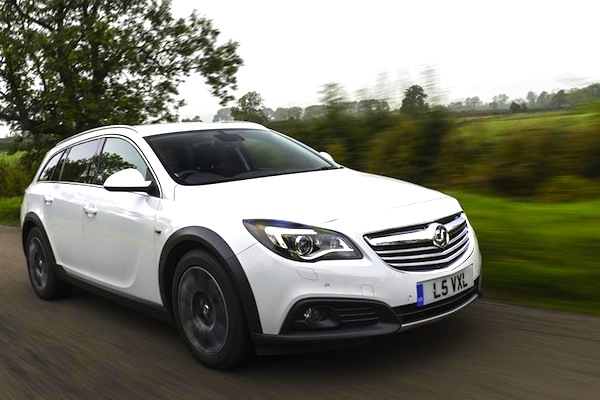 Vauxhall Insignia UK August 2014. Picture courtesy of whatcar.co.uk