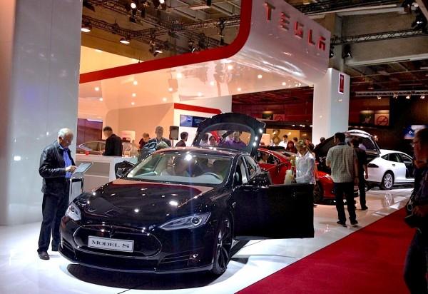 8b. Tesla stand